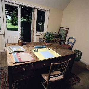 Virginia Woolf's Writing Space